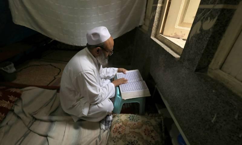 ملک بھر میں لاکھوں مسلمان اعتکاف بیٹھ گئے
