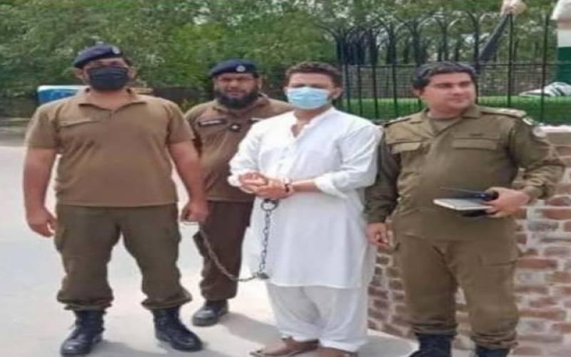 ہاکی لیجنڈ سمیع اللہ کے مجسمے کے ساتھ نازیبا حرکات کرنے والا ملزم گرفتار