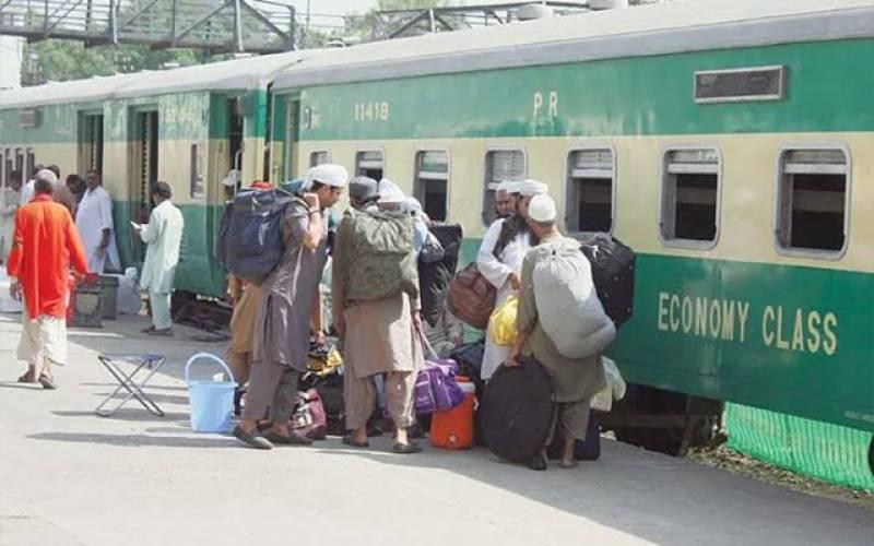 ریلوے کی بدانتظامی نے مسافروں کی عید خراب کردی