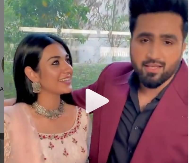 فلک شبیر کا شادی کی سالگرہ پر ریلیز کیا گیا گانا سو شل میڈیا پر چھا گیا۔۔ویڈیو وا ئرل