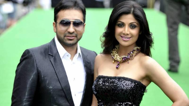 بالی ووڈ اداکارہ شلپا سیٹھی کے شوہر کی گرفتاری کی ویڈیو وائرل