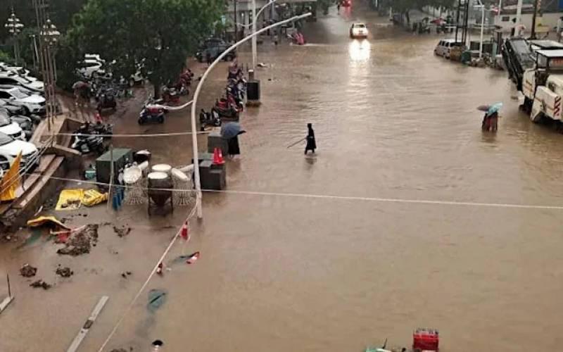چین میں طوفانی بارشیں،12افراد جاں بحق