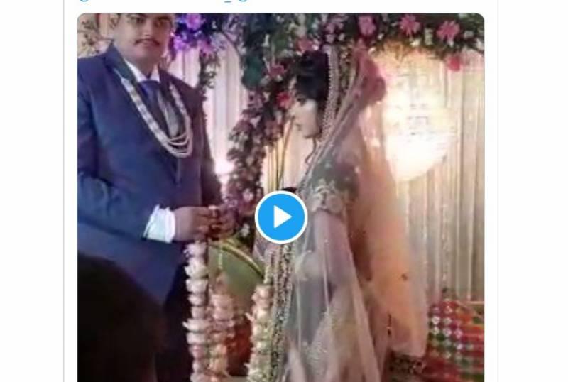 ورمالا پہنانے کے دوران دلہن کی دولہا کے ساتھ کبڈی کی ویڈیو وا ئرل
