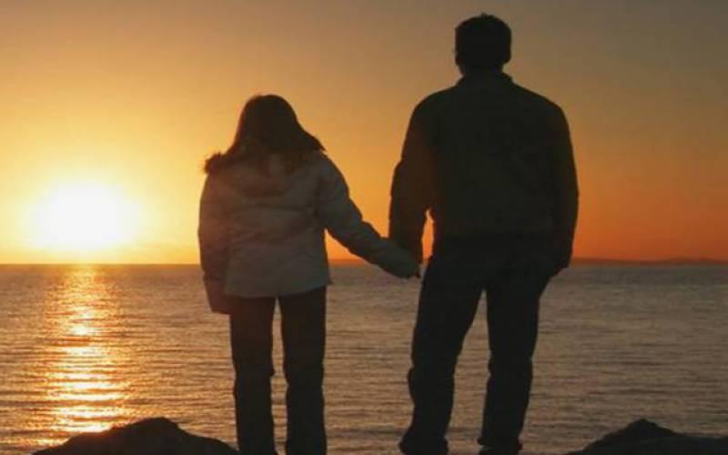 روٹھی بیوی کو منانے کی خاطر باپ نے بیٹی کیساتھ کیا کیا؟جان کر سب دنگ رہ گئے