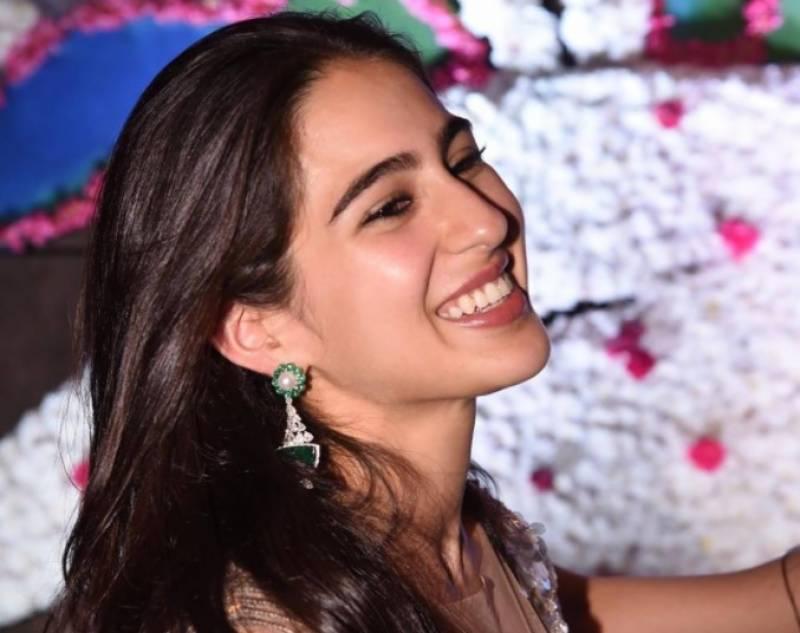 سارہ علی خان نے 26ویں سا لگرہ پر یا دگار ویڈیو شیئر کر دی