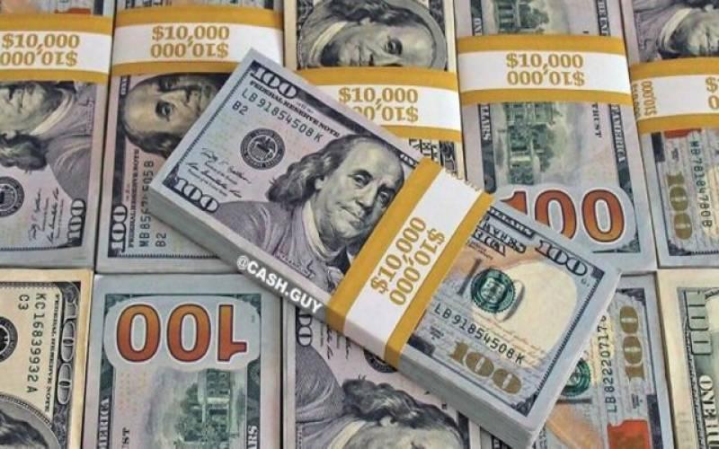 ڈالر سال کی بلند سطح پر پہنچ گیا، بیرونی قرضوں میں1800 ارب روپے کا اضافہ