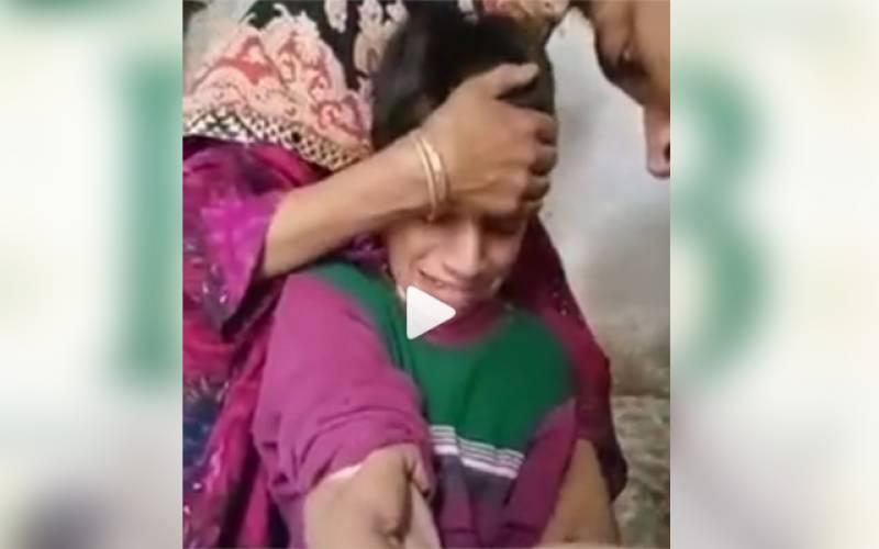 انجیکشن لگتے ہی بچے نے پرندوں کی آوازیں نکالنا شروع کردیں، ایسی ویڈیو جس نے سب کی ہنسی چھڑا دی