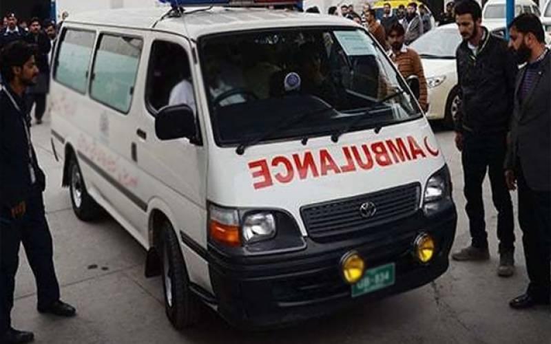 بارات کی گاڑی کو حادثہ دولہا سمیت پانچ جاں بحق