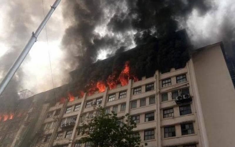 13منزلہ عمارت میں آگ لگ گئی